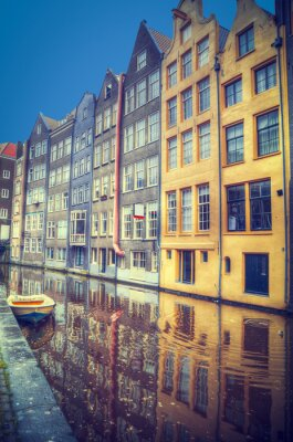 Adesivo Amsterdam in primavera. Le case sono lungo i canali.