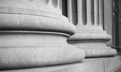 Adesivo Architectural Columns in a Classic Federal Buuilding