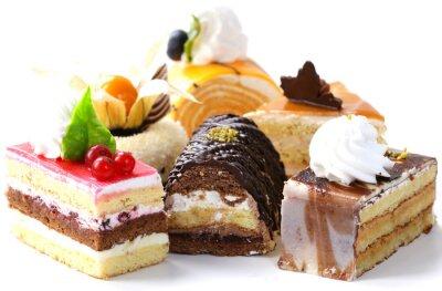Adesivo Assortimento di mini torte diverse con crema, cioccolato e frutti di bosco