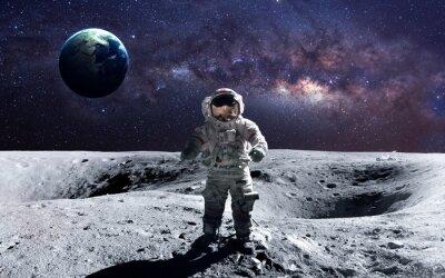 Adesivo astronauta coraggioso alla passeggiata spaziale sulla luna. Questi elementi immagine fornita dalla NASA.