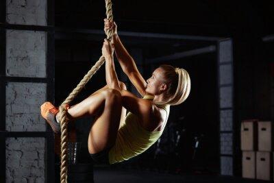 Adesivo Atleta femminile di crossfit che esercita