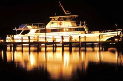 Adesivo Barca di notte / Barca e la riflessione a Jupiter, Florida