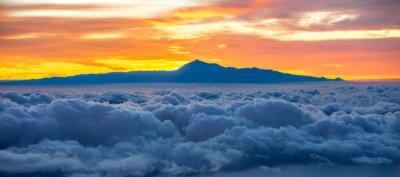 Adesivo Bella Cloudscape con Tenerife Islanda sfondo sul sorgere del sole in Spagna
