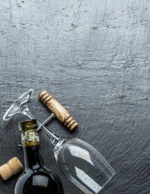 Adesivo Bottiglia di vino, bicchiere di vino e cavatappi sulla scheda di grafite.