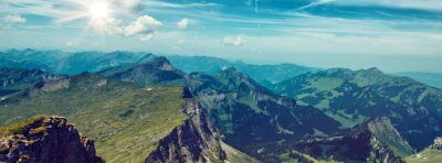 Adesivo Bright Sun Sopra Verde Mountain Range