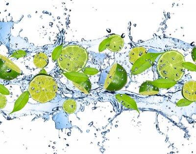 Adesivo Calce fresche in acqua spruzzata, isolato su sfondo bianco