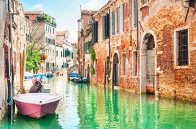 Adesivo Canal a Venezia, Italia.