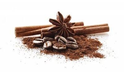 Adesivo Chicchi di caffè raccolti con polvere di caffè su bianco