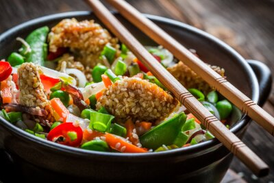 Adesivo Chicken with sesame with vegetables and noodles
