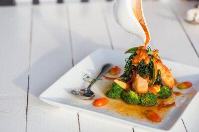 Adesivo Chu Chee Red curry salmone Incolla piatti bianchi.