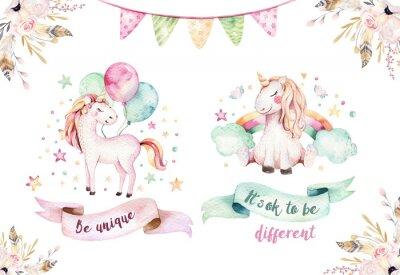 Adesivo Clipart sveglio isolato dell'unicorno dell'acquerello. Illustrazione di unicorni della scuola materna. Poster di unicorni arcobaleno principessa. Cavallo alla moda rosa fumetto.