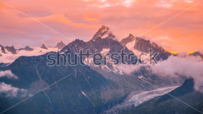 Adesivo Cloudy Sunset over Iconic Mont-Blanc Mountains Range and Glaciers