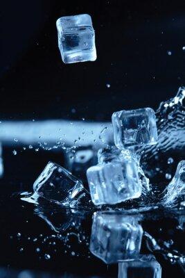 Adesivo cubetti di ghiaccio con spruzzi d'acqua