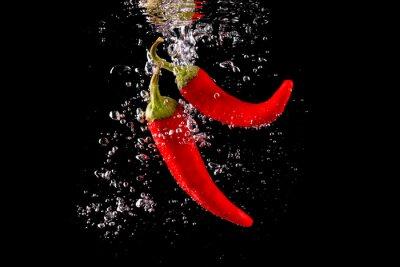 Adesivo Czerwona papryka wpadająca do wody