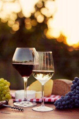 Adesivo Due bicchieri di vino bianco e rosso