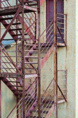 Adesivo esterni scale antincendio fuga sulla costruzione di produzione