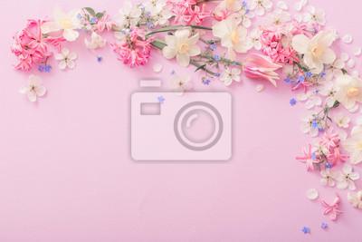 Adesivo fiori di primavera bella su sfondo di carta