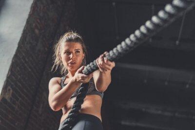 Adesivo Giovane ragazza atletica in allenamento