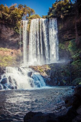 Adesivo grande bella cascata nel parco Dambri, Vietnam