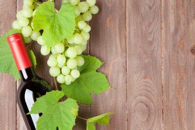 Adesivo Grappolo d'uva e bottiglia di vino rosso