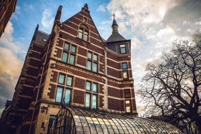 Adesivo Il Rijksmuseum è un museo nazionale olandese dedicato alle arti e alla storia di Amsterdam. Il museo si trova in Piazza dei Musei nel quartiere di Amsterdam sud, nei pressi del Museo Van Gogh.