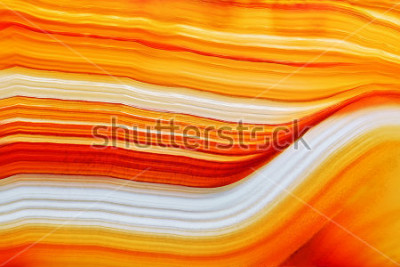 Adesivo La sezione trasversale della superficie di cristallo naturale dell'agata traslucida, arancia la struttura astratta affetta il primo piano a macroistruzione di pietra minerale