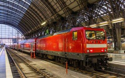 Adesivo Locomotiva elettrica con il treno regionale a Francoforte, Germania