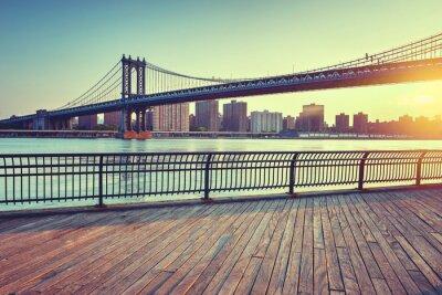 Adesivo Manhattan Bridge Over East River al tramonto