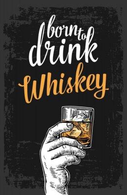 Adesivo Mano maschio che tiene un bicchiere con whisky e cubetti di ghiaccio. Vintage illustrazione incisione per l'etichetta vettore, manifesto, invito a una festa
