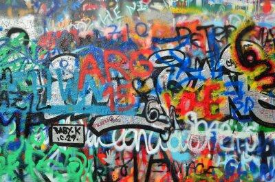 Adesivo muro spruzzato con graffiti