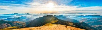 Adesivo Paesaggio di montagna al tramonto