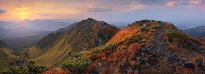 Adesivo Panorama delle montagne all'alba