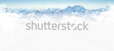 Adesivo Panorama delle montagne di inverno con lo spazio della copia