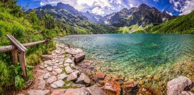 Adesivo Panorama di stagno nel mezzo delle montagne Tatra