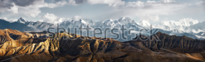 Adesivo Panoramic view of the snowy mountains in Upper Mustang, Annapurna Nature Reserve, trekking route, Nepal