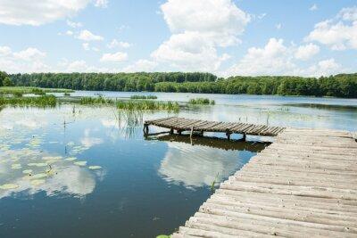 Adesivo ponte sul lago in una giornata di sole