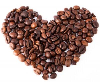 Adesivo primo piano cuore fatto di naturale caffè fritto marrone stato