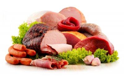 Adesivo prodotti a base di carne, tra cui prosciutto e salsicce isolato su bianco