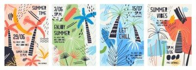 Adesivo Raccolta di modelli di invito o poster decorati con palme tropicali, macchie di vernice, macchie e scarabocchi per la festa estiva all'aperto. Illustrazione vettoriale per la promozione dell'evento es