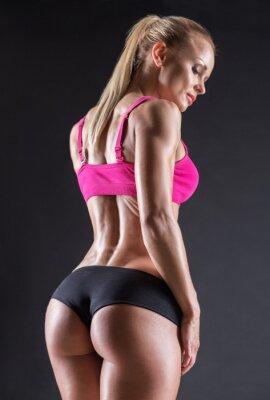 Adesivo Ritratto di una bella ragazza in atleti in studio