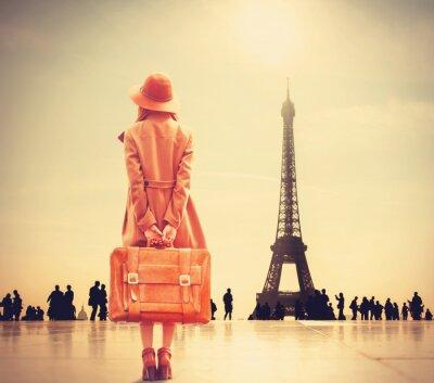Adesivo Rossa ragazza con la valigia