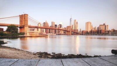 Adesivo Scenico tramonto di New York City dalla riva del fiume