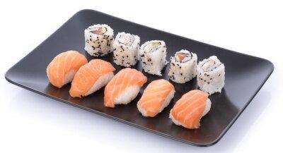 Adesivo set sushi giapponese su un piatto nero