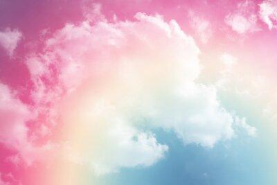 Adesivo sole e nuvole sullo sfondo con un pastello colorato