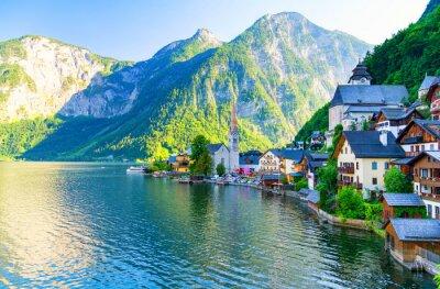 Adesivo sorprendente piccolo villaggio alpino Hallstatt, Austria