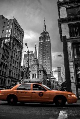 Adesivo Strada di New York City in the Evening