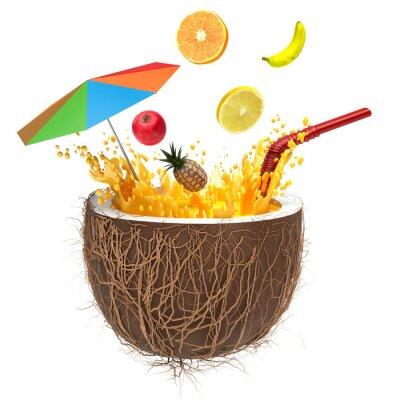 Adesivo succo multifruit in noce di cocco con una cannuccia e spruzzo