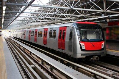 Adesivo Treno della metropolitana alla stazione della metropolitana
