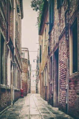 Adesivo Vecchia vista della strada a Venezia, Italia.