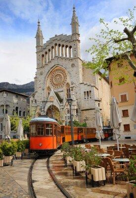 Adesivo Vecchio tram di fronte alla Cattedrale di Soller, Mallorca, Spagna